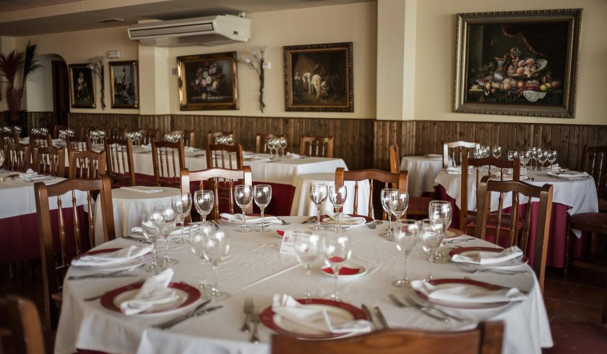 http://restaurante-senorio-la-ribera-mar-menor-murcia-sala-202