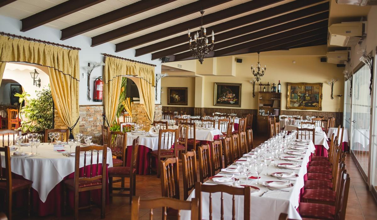 http://restaurante-senorio-la-ribera-mar-menor-murcia-sala-45